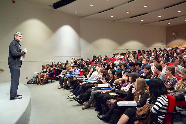 Seminar là gì? Làm thế nào để xây dựng một buổi Seminar hiệu quả?